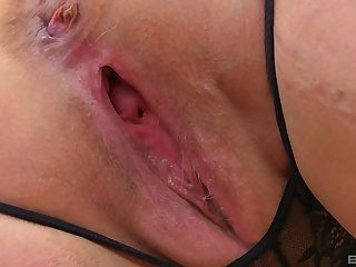 Solo full-grown amateur BBW blonde MILF model Lacey Starr strips
