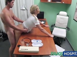 Blondie mind a look after helps boy get an full salute yon her mitts free porn